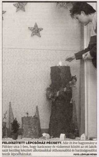 Karácsonyi lépcsőház a Páfrány utcában Pécsett